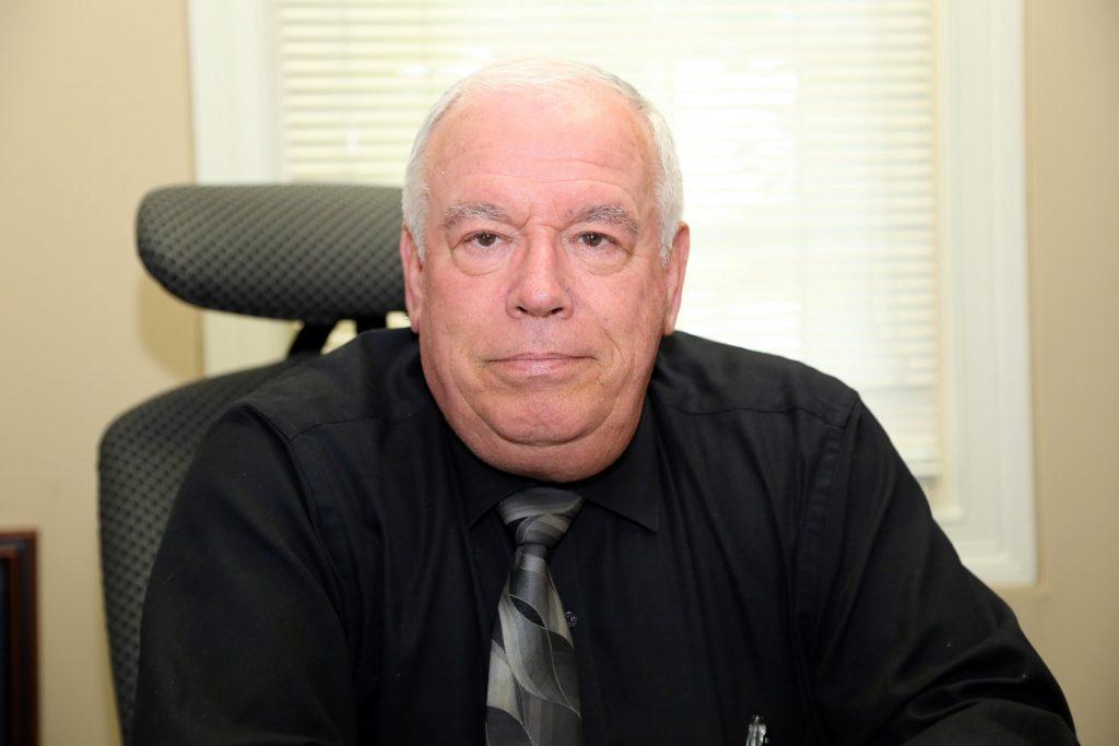 Retiree Ed Jones%2c Human Resources